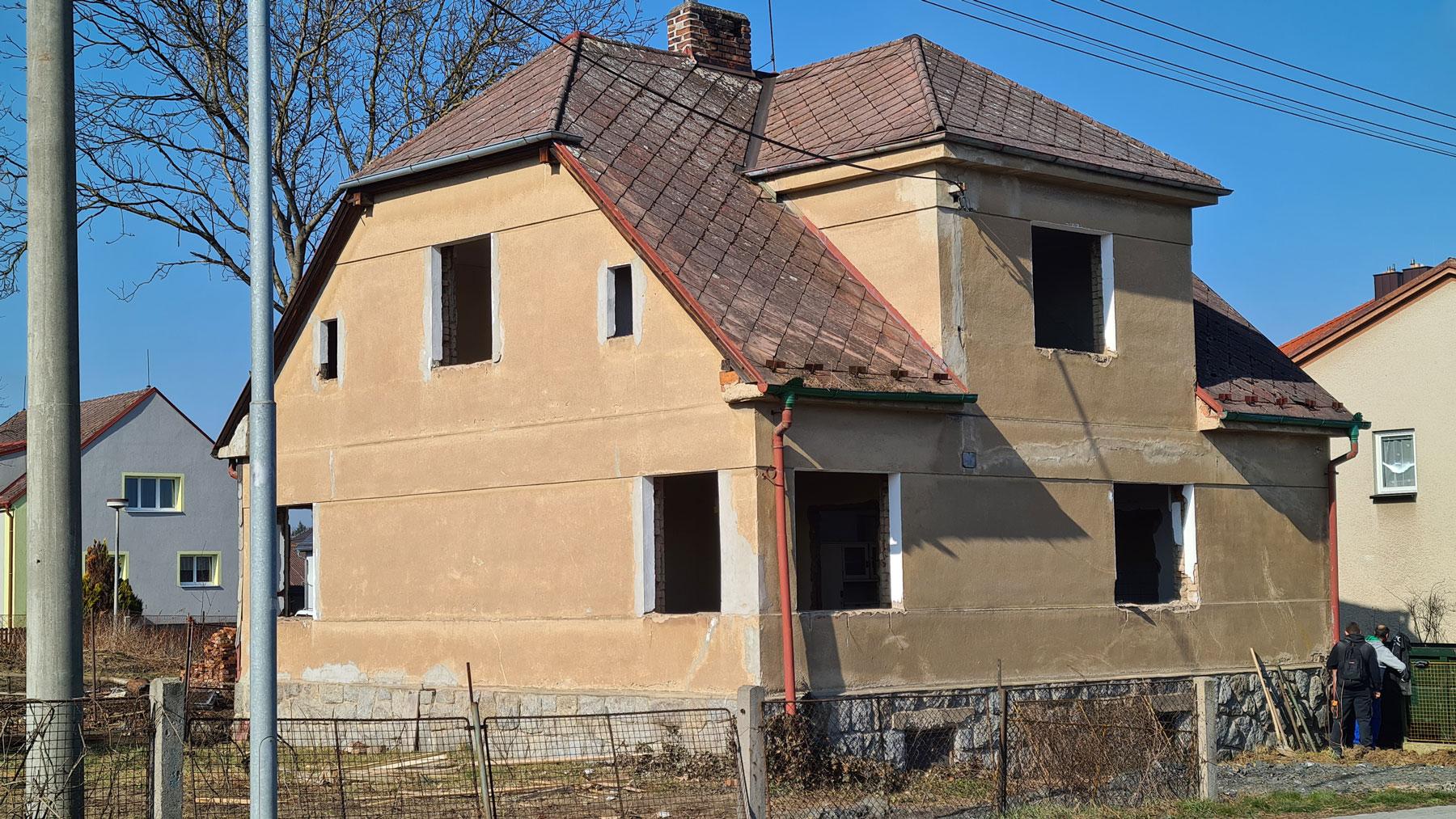 Nove-byty-Klatovy-zahajeni-demolice-Rezidence-pod-Sumavou (2)